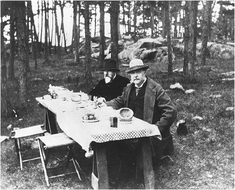 President Chester A. Arthur takes a break from his duties at the White House to enjoy a rustic picnic with a companion. BETTMANN/CORBIS